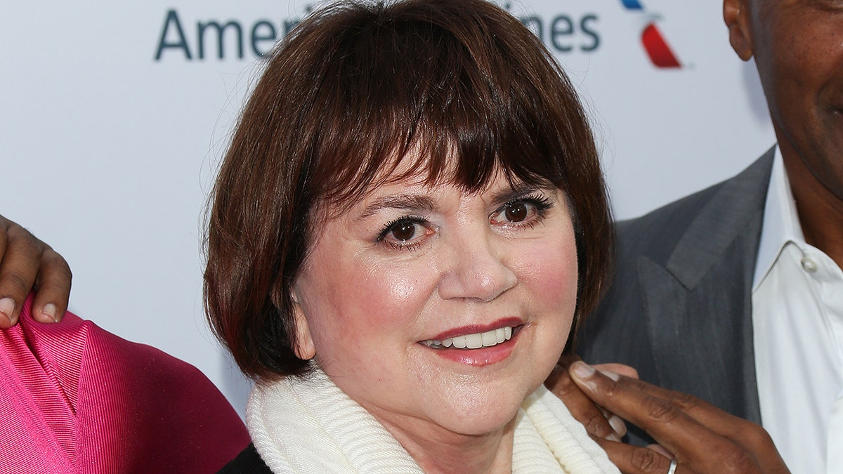 Linda Ronstadt Height and Weight, Bra Size, Body Measurements